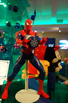 The Amazing Spider-Man 2 Giant Web Slinging Spider-Man Figure_14322664309_l