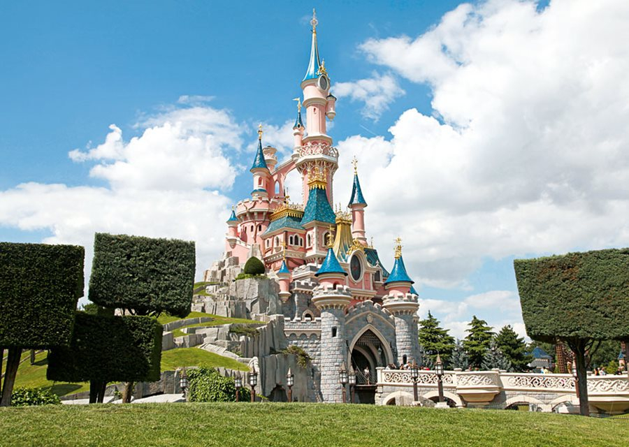 Disneyland Paris to Remain Closed on November 14