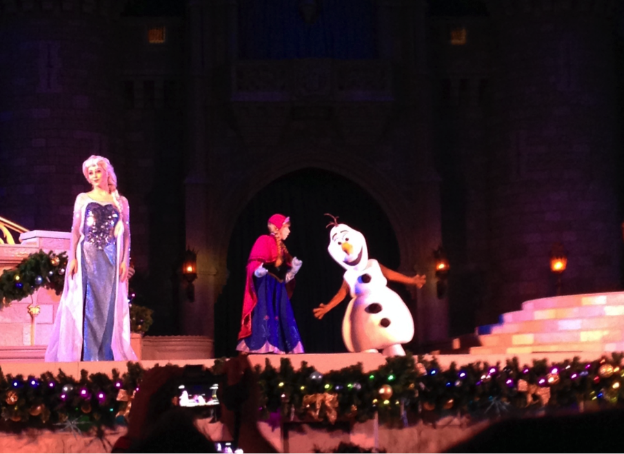 A Frozen Holiday Wish Comes To Magic Kingdom Olaf Appears