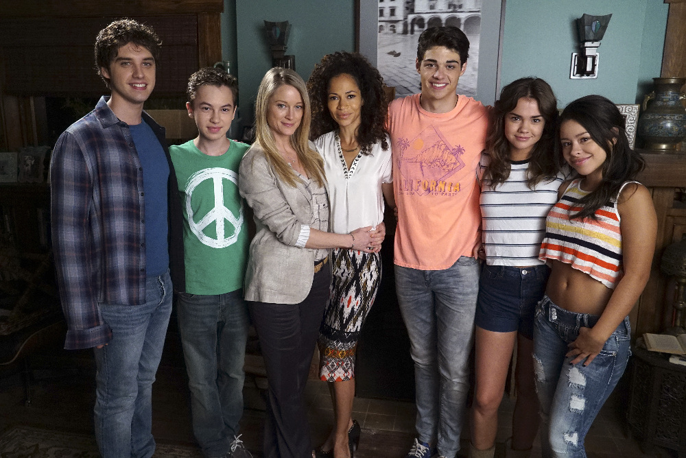 Abc Family Renews The Fosters For Season 4 Laughingplace Com