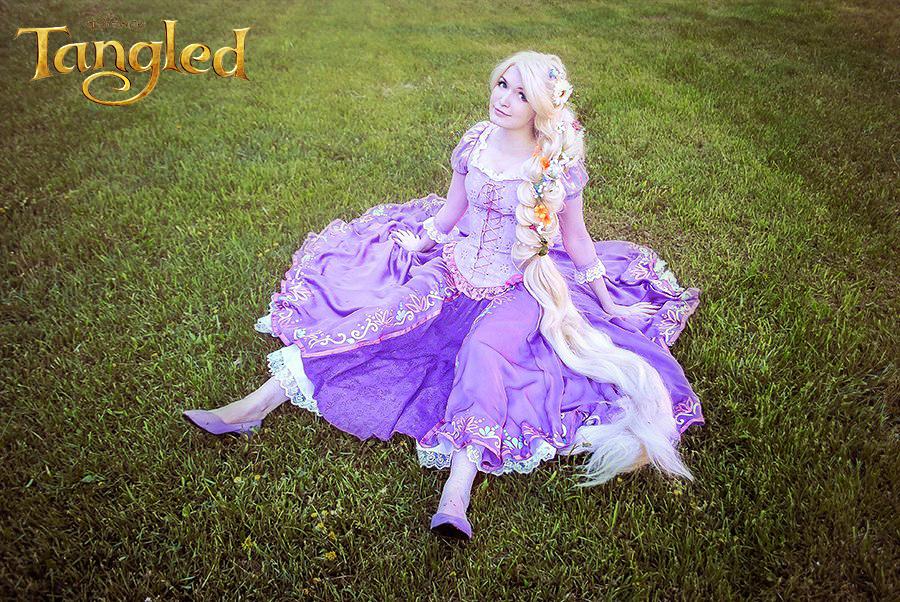 Beautiful Pictures of Rapunzel Disney Cosplay