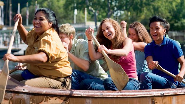 shdr-att-explorer-canoes-hero
