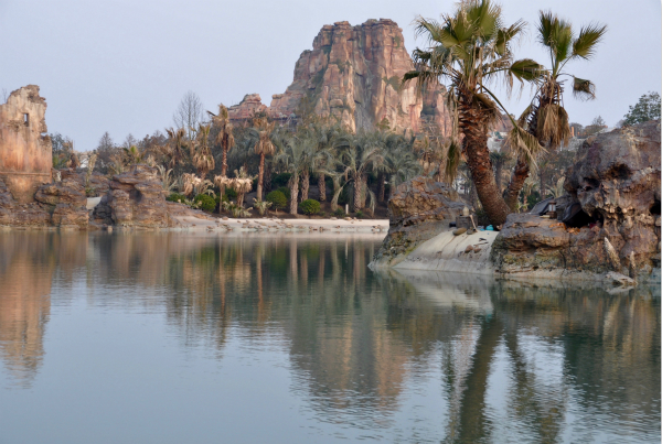 Adventure Isle, an exciting new land found only at Shanghai Disneyland, will immerse guests in a newly discovered lost world brimming with mystery and hidden treasure. Guests will easily find this land by the sight of the mighty Roaring Mountain, source of an ancient legend.