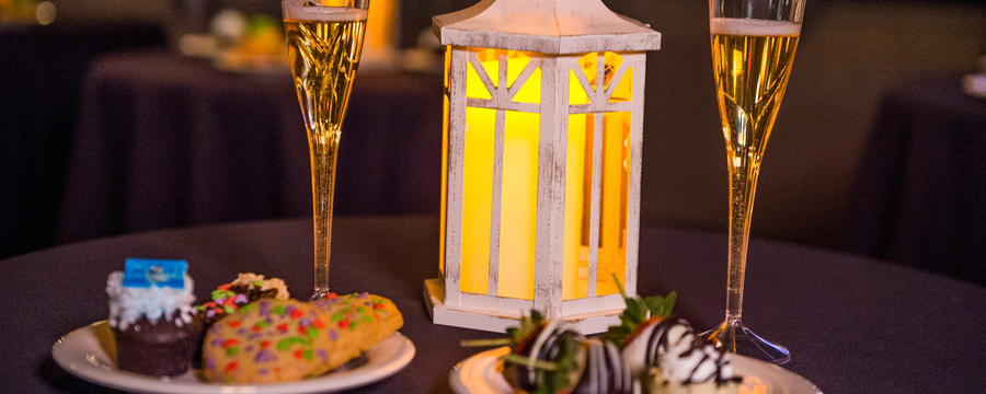 Holiday Wishes Dessert Package Now Available for Booking