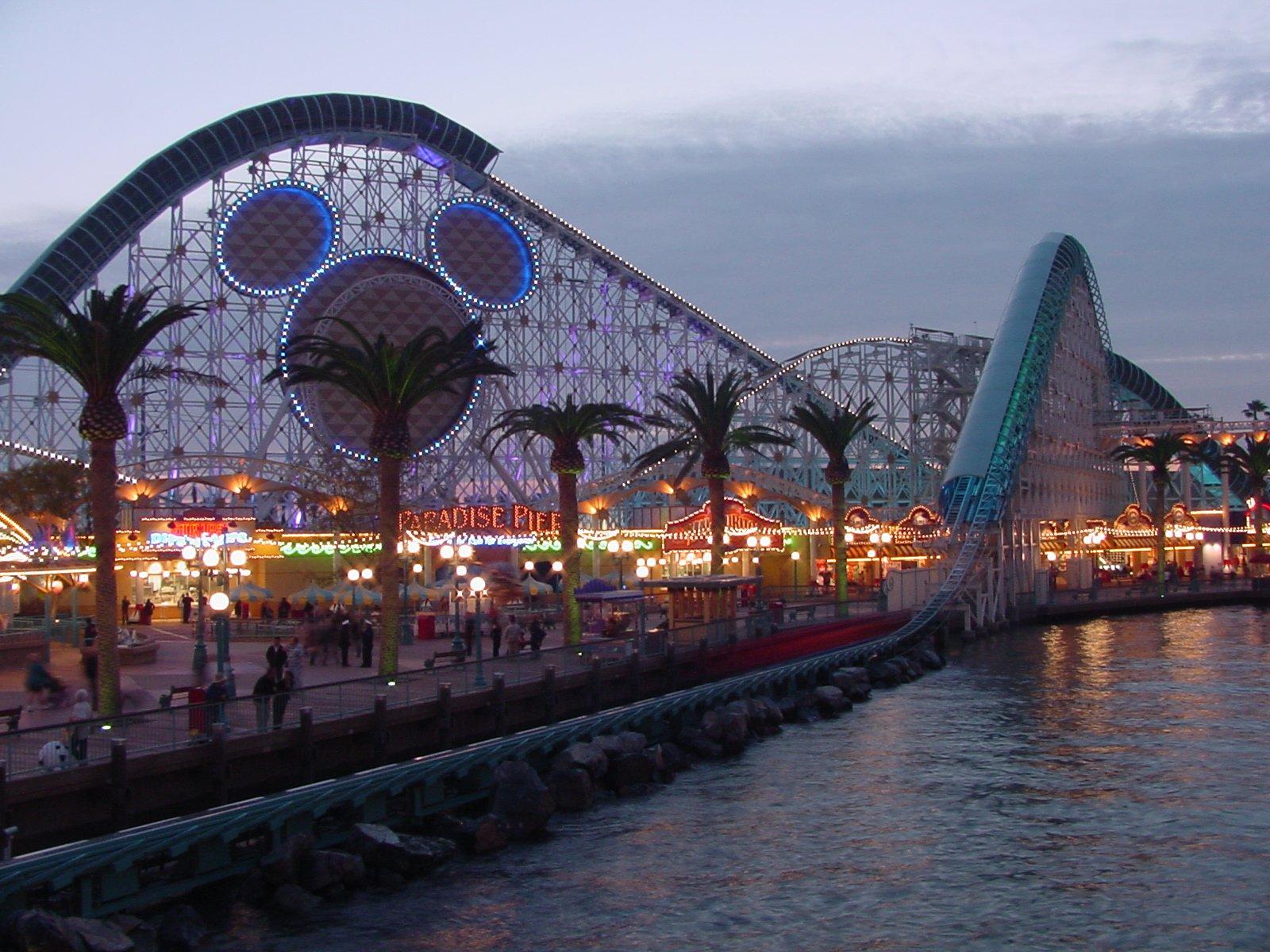 Food Places In Disney California