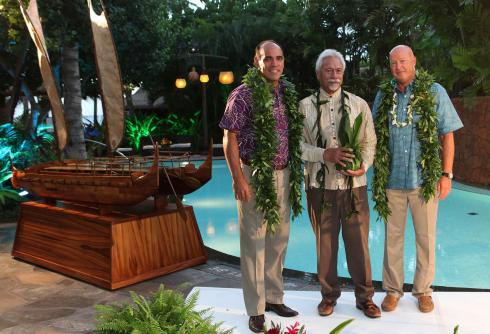 Aulani Makes Donation to The Friends of Hōkūleʻa and Hawai'iloa