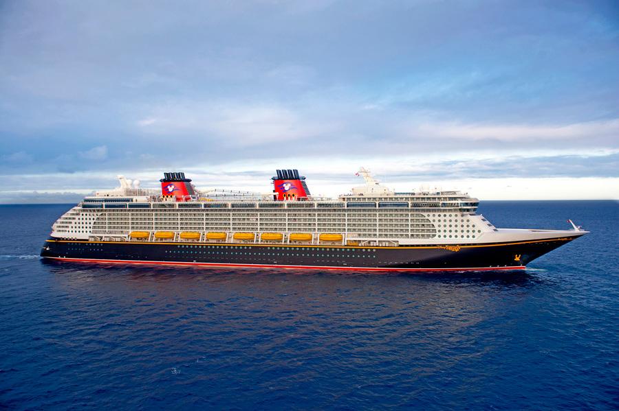 Disney Dream Alters Itinerary to Avoid Hurricane Matthew