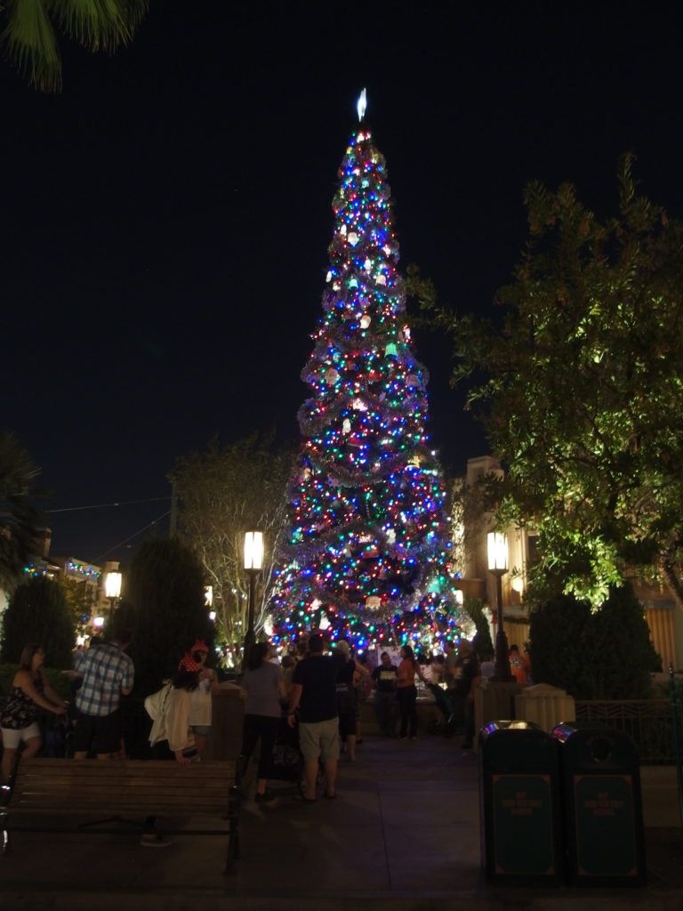 Buena Vista Street features an old-fashioned Christmas tree