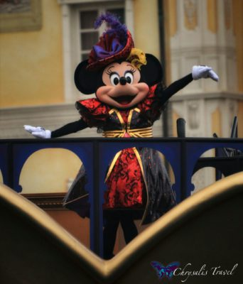 14-villains-world-minnie-in-halloween-dress