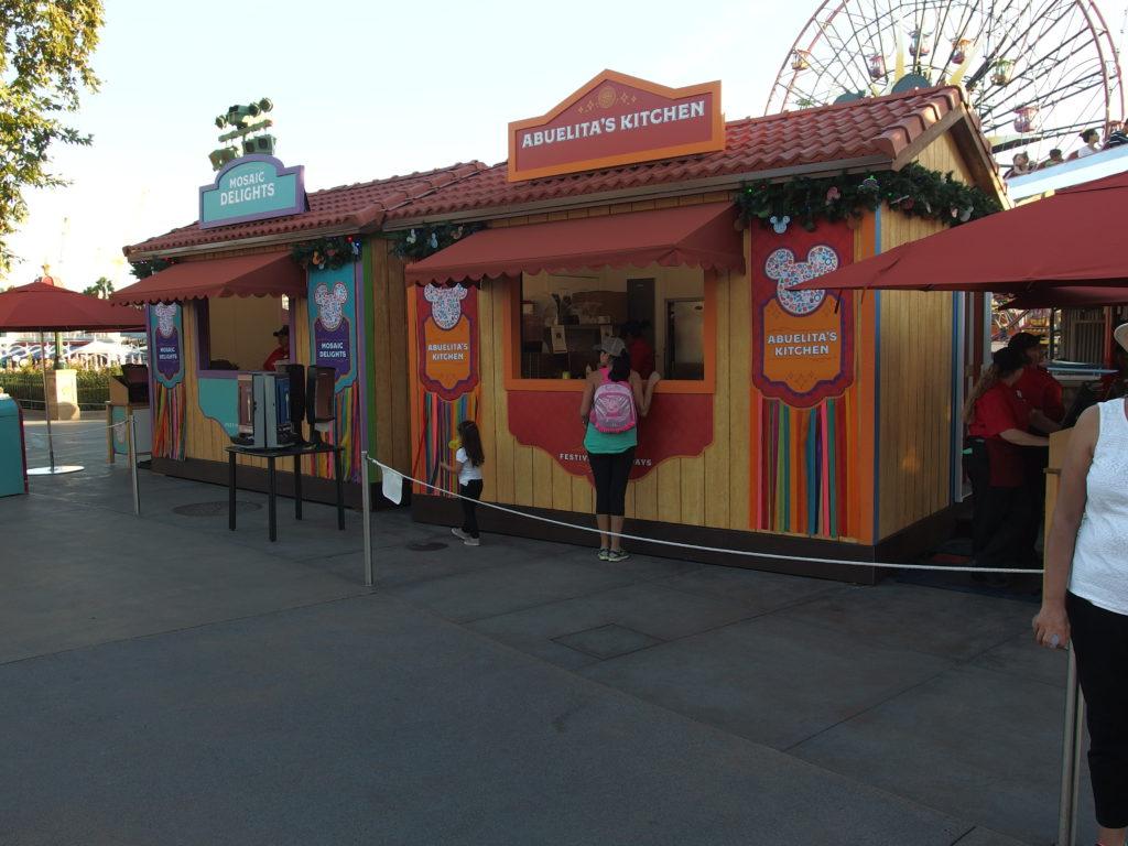 More food venues along Paradise Bay