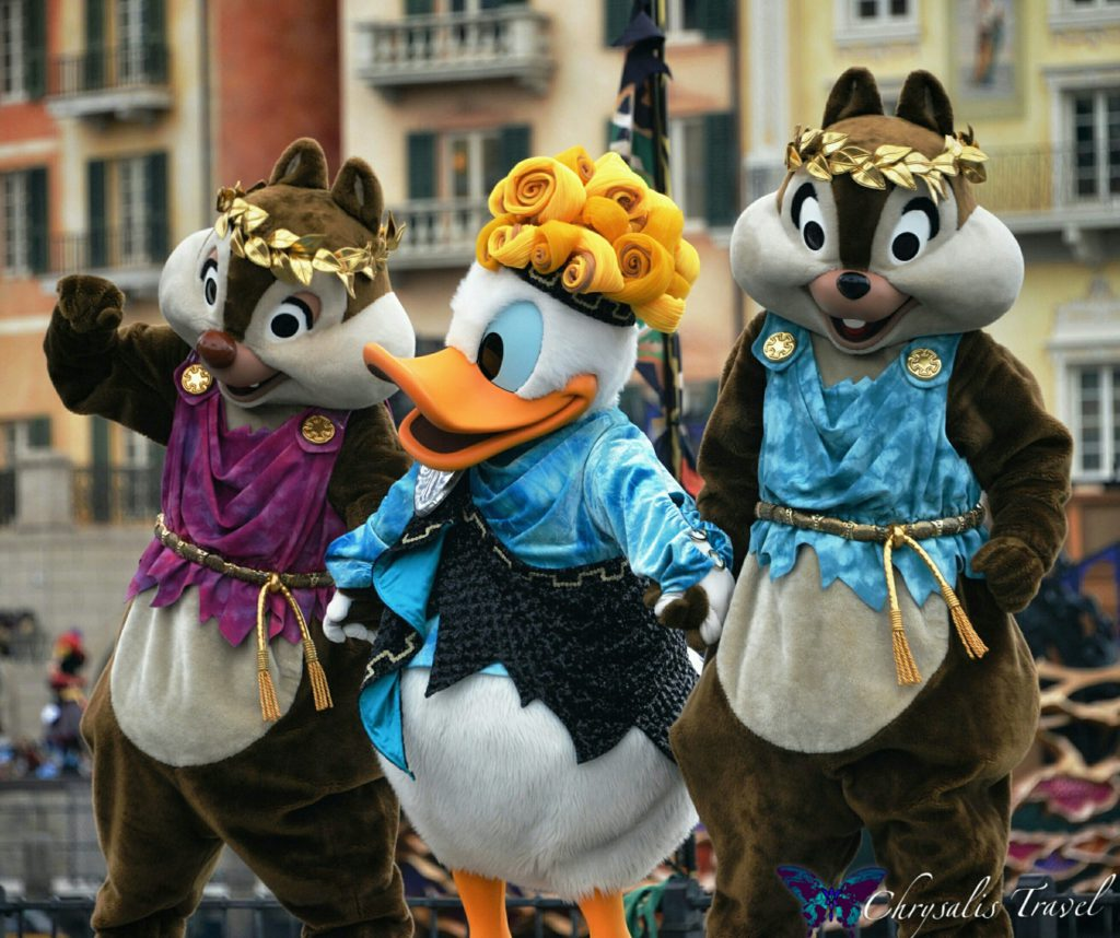 20-villains-world-halloween-donald-chip-dale