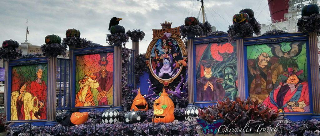 6-villains-display-daytime