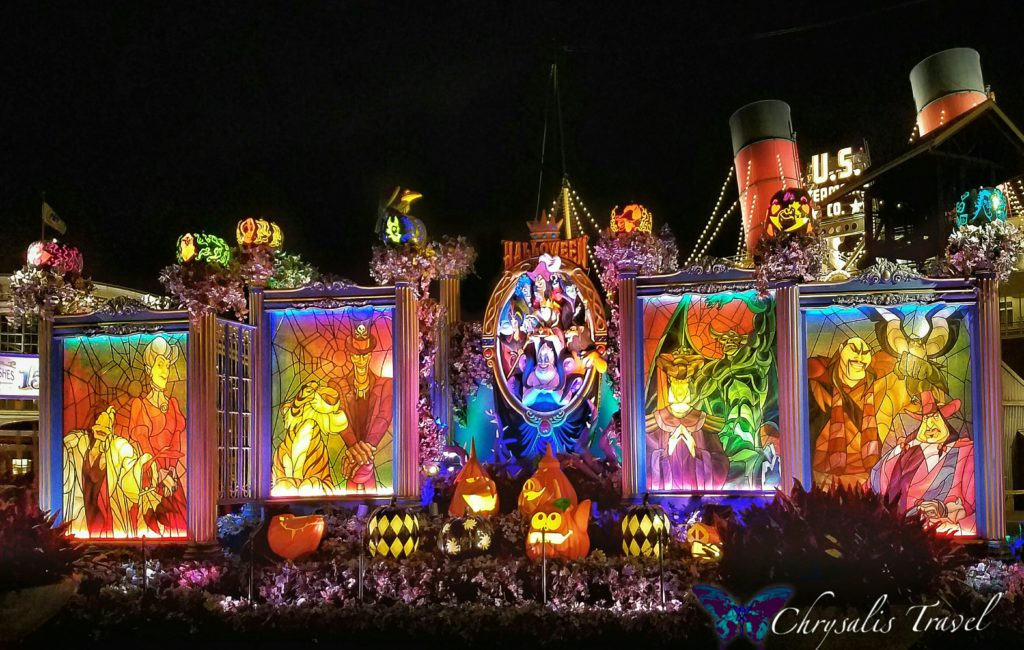 7-villains-display-lit-up-at-night