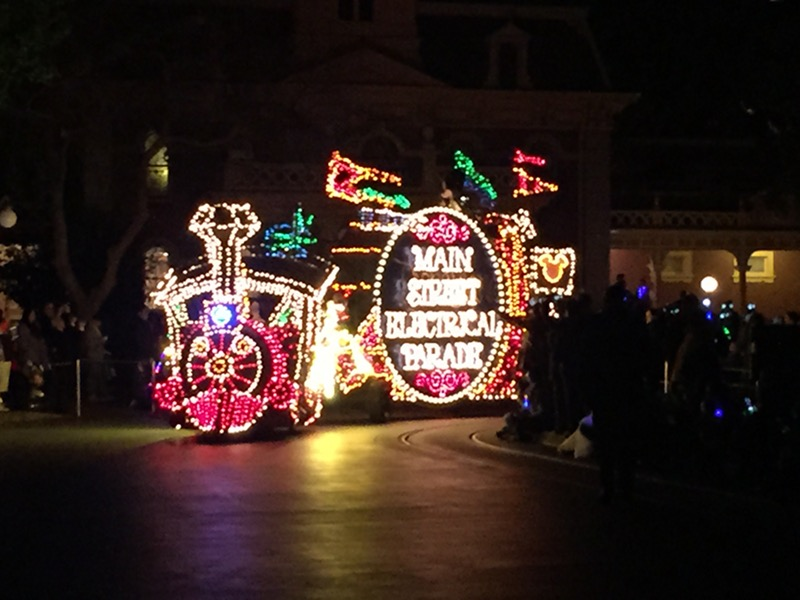 Main Street Electrical Parade Returns to Disneyland