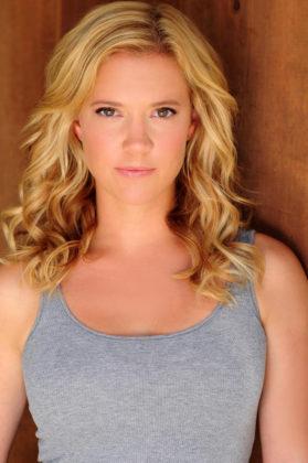 Patti Murin (Anna)