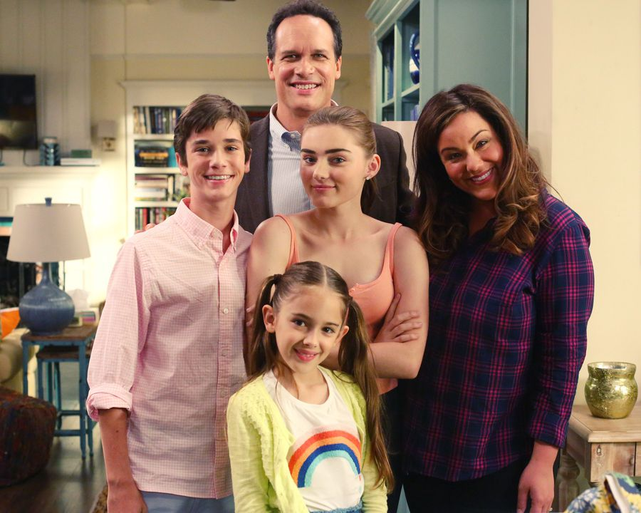 TV Review: American Housewife Season 2