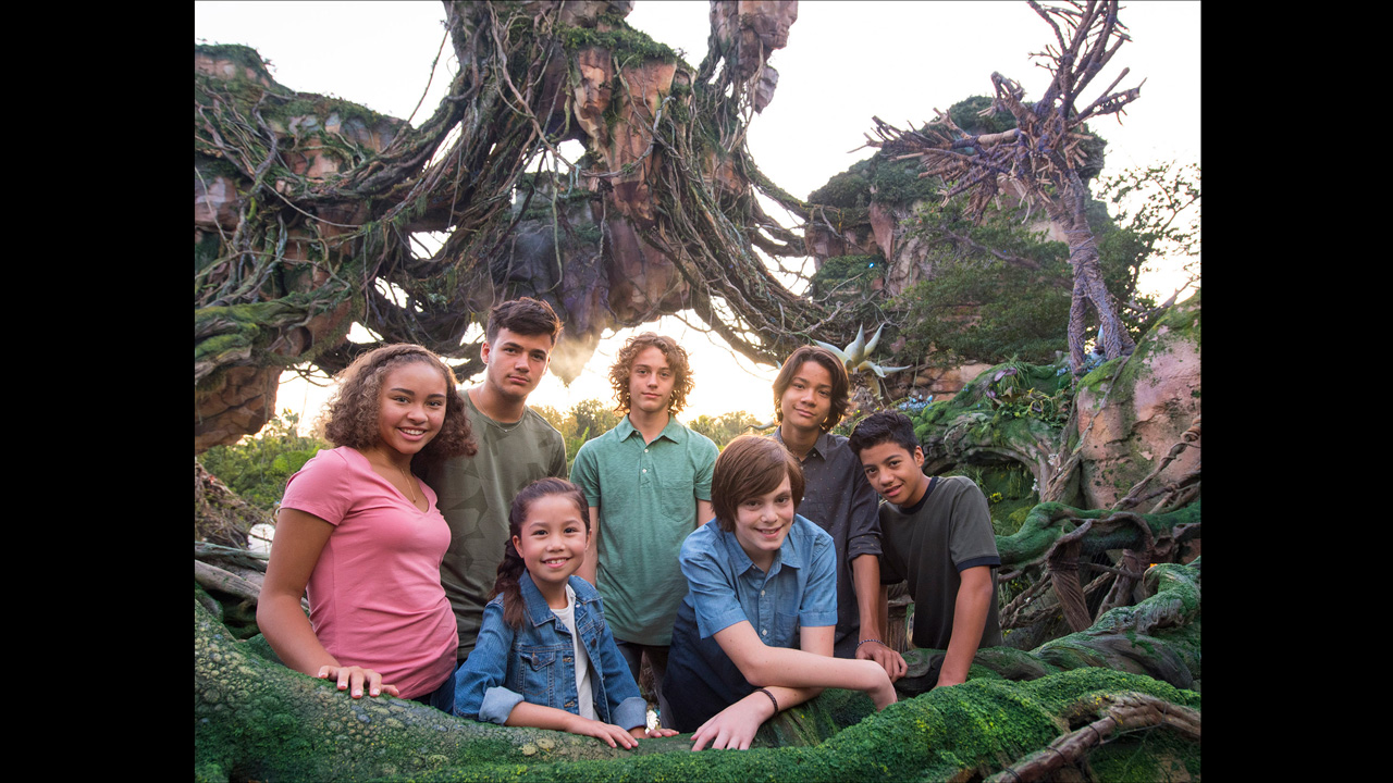 Avatar Sequels Cast Members Visit Pandora at Walt Disney World