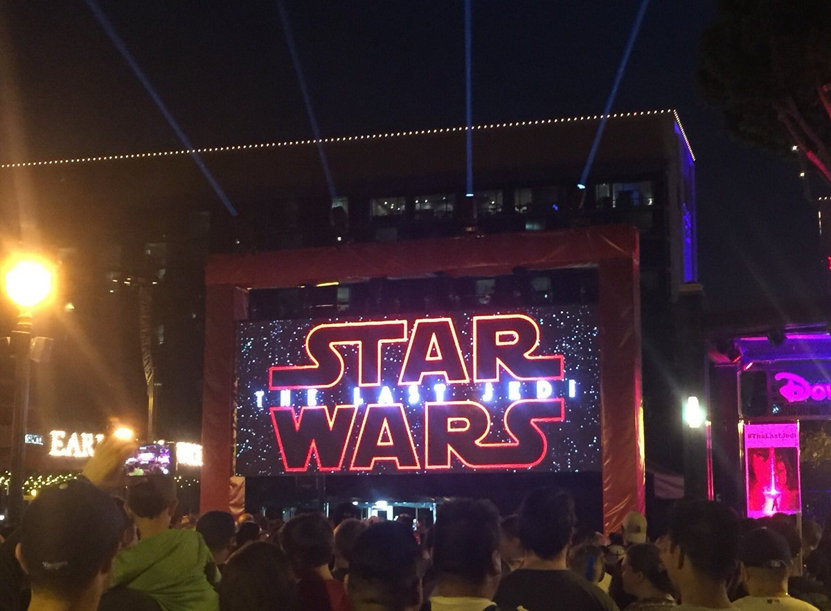 Fans Gather at Disneyland and El Capitan for The Last Jedi Trailer