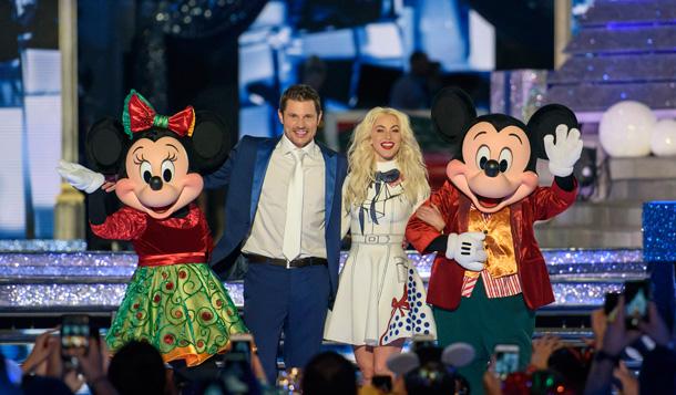 Live Blog: Wonderful World of Disney Magical Holiday Celebration