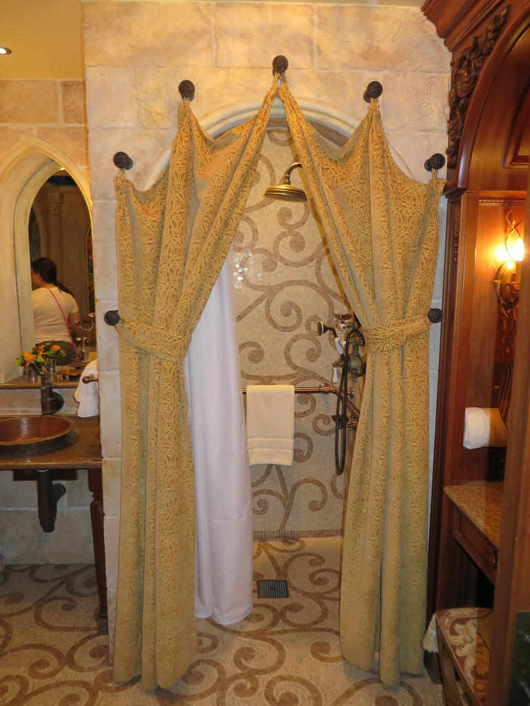 Cinderella Castle Suite A Royal Tour Laughingplace Com