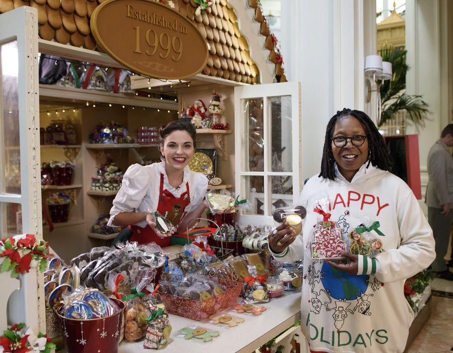LIVE BLOG: Decorating Disney: Holiday Magic