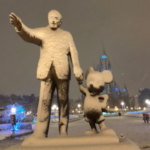 Tokyo Disneyland Sees Snowfall, Awesome Photos Emerge