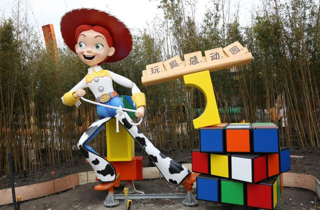 Woody and Jessie Added to Shanghai Disneyland\'s Toy Story Land ...