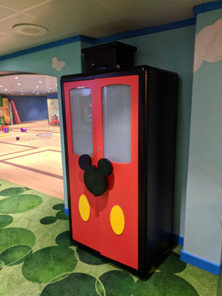 Disney Magic Oceaneer Club - Club Disney Junior