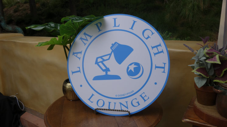 Lamplight Lounge, Pixar Pier Guide