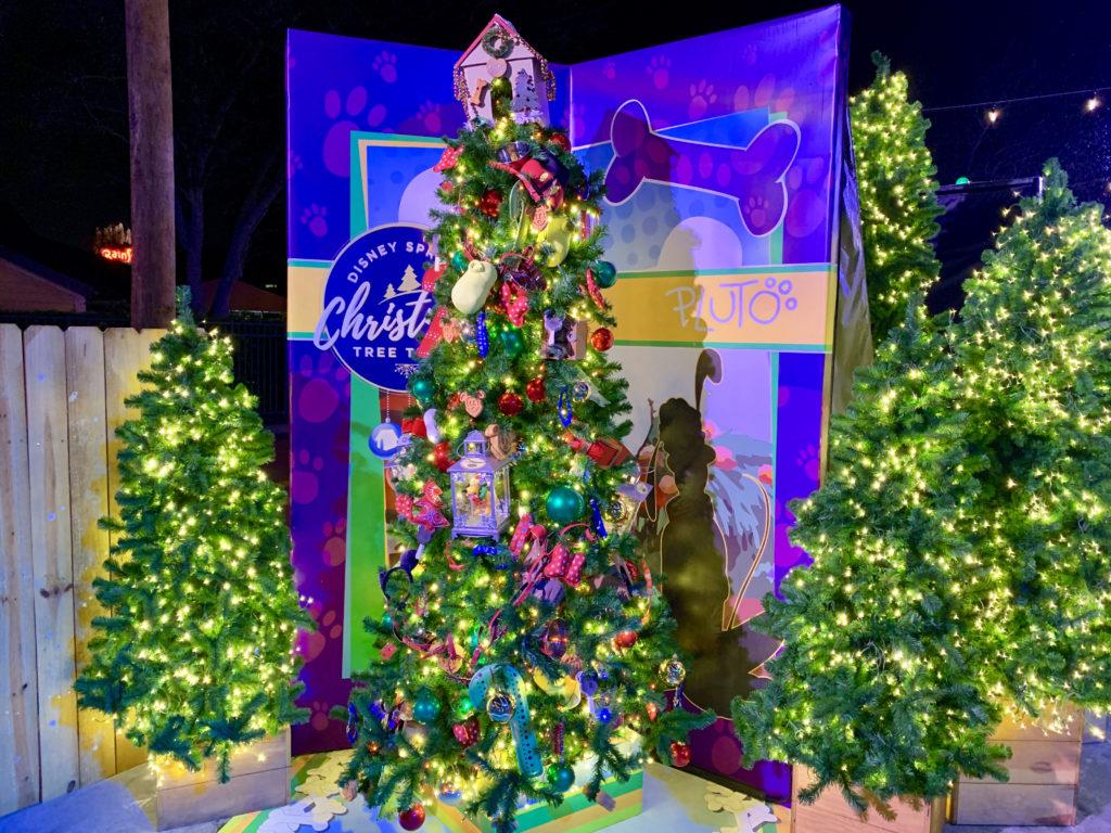 disney springs christmas tree trail pluto tree