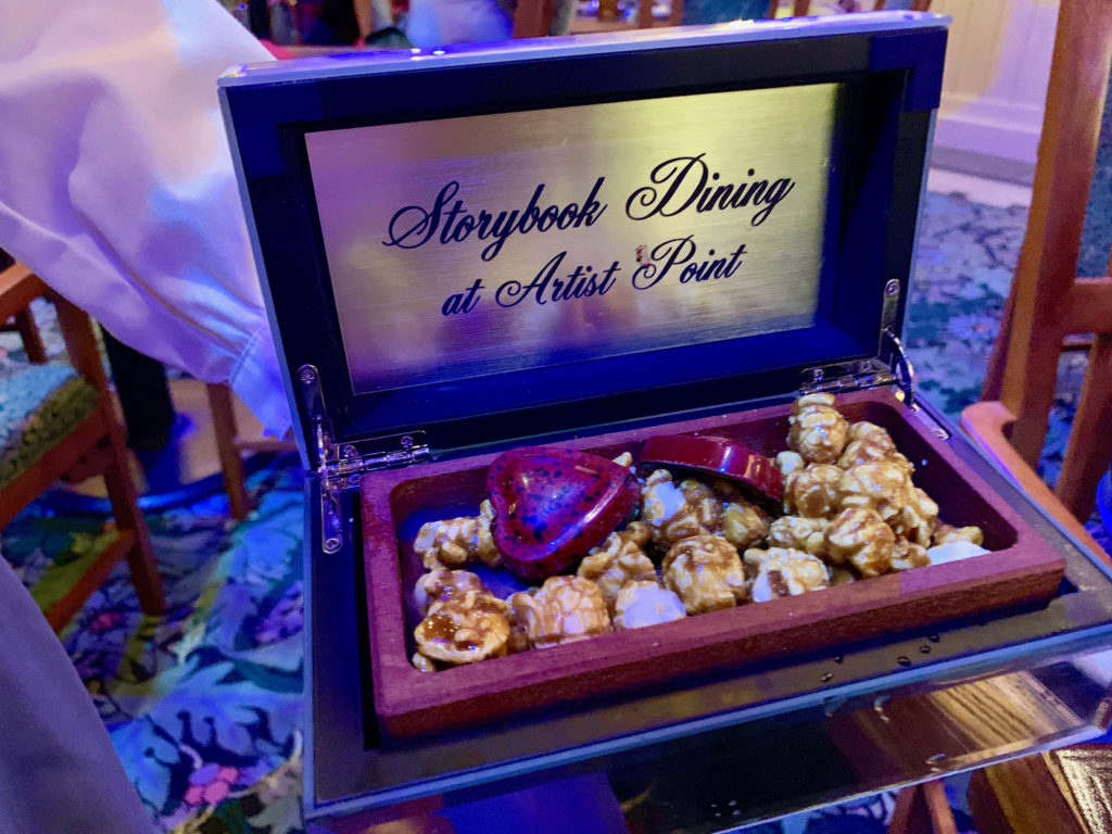 Dining Review Storybook Dining With Snow White At Artist