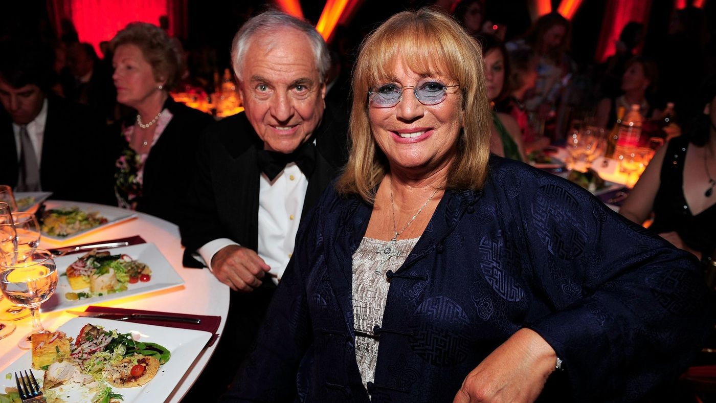 Penny Marshall with brother Garry Marshall at the TV Land Awards in 2008.