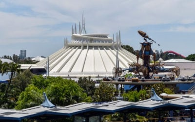 Disneyland Guest Climbs Out of Space Mountain Vehicle During Ride