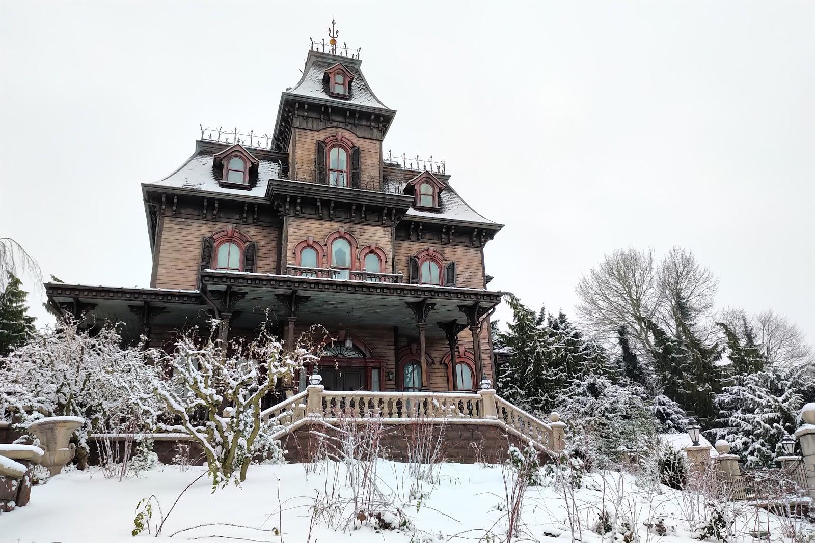 Disneyland Paris Sees Snowfall Making The Gorgeous Park