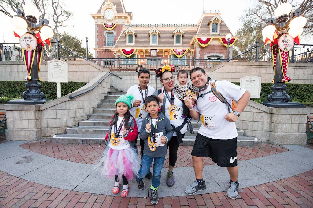 Disneyland Resort Cast Members Participate in ChEARS to a New You