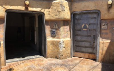 "What, No Bathrooms? A Peek Inside Galaxy's Edge ""Refreshers"""