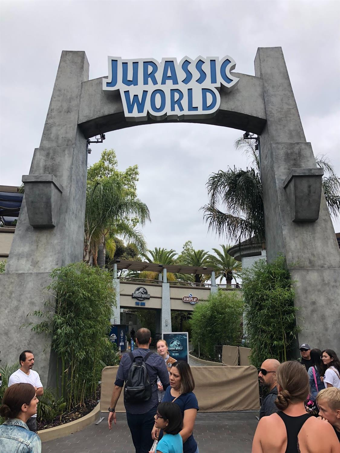 Video - Jurassic World: The Ride Officially Opens at ...