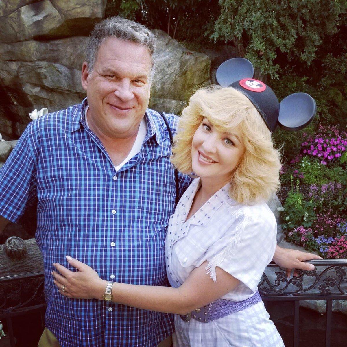 Jeff Garlin, Wendi McLendon-Covey | Via ABC
