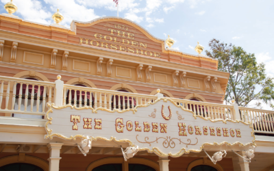 Disneyland Bringing Strolling Magician to Frontierland, Dueling Pianos to The Golden Horseshoe