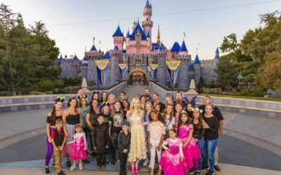 "Elle Fanning Surprises Guests at Disneyland Resort During ""Maleficent: Mistress of Evil"" Sneak Peek"