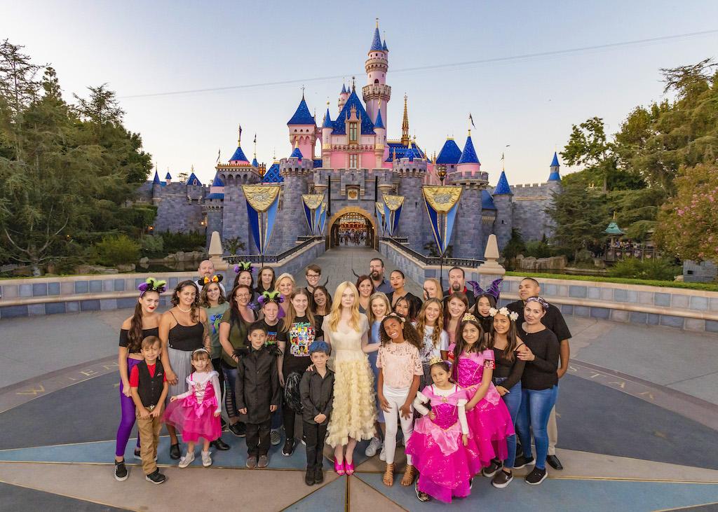 Elle Fanning Surprises Guests At Disneyland Resort During