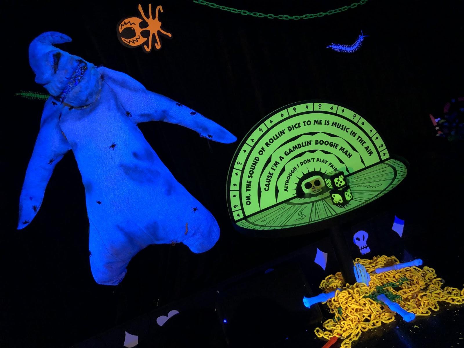 Christmas Halloween.Video Freeform Halloween House Returns With Hocus Pocus
