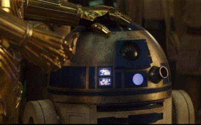 R2-D2 Seen Roaming Star Wars: Galaxy's Edge in Disneyland