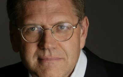 "Robert Zemeckis Officially Signs on to Direct Live-Action ""Pinocchio"""