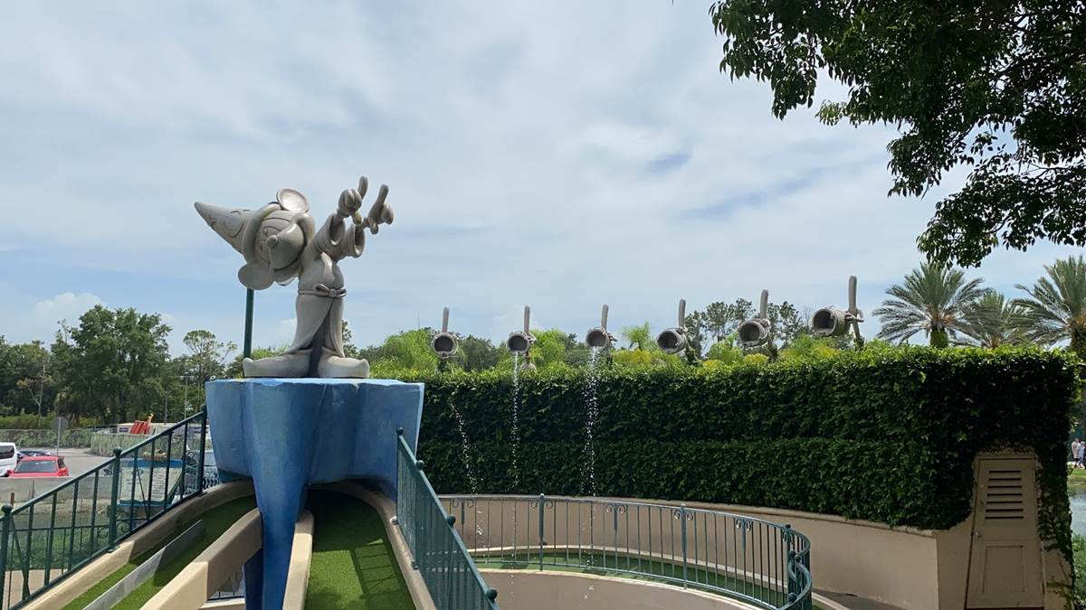 How Disney World S Fantasia Gardens Mini Golf Keeps Guests Safe While Having Fun Laughingplace Com