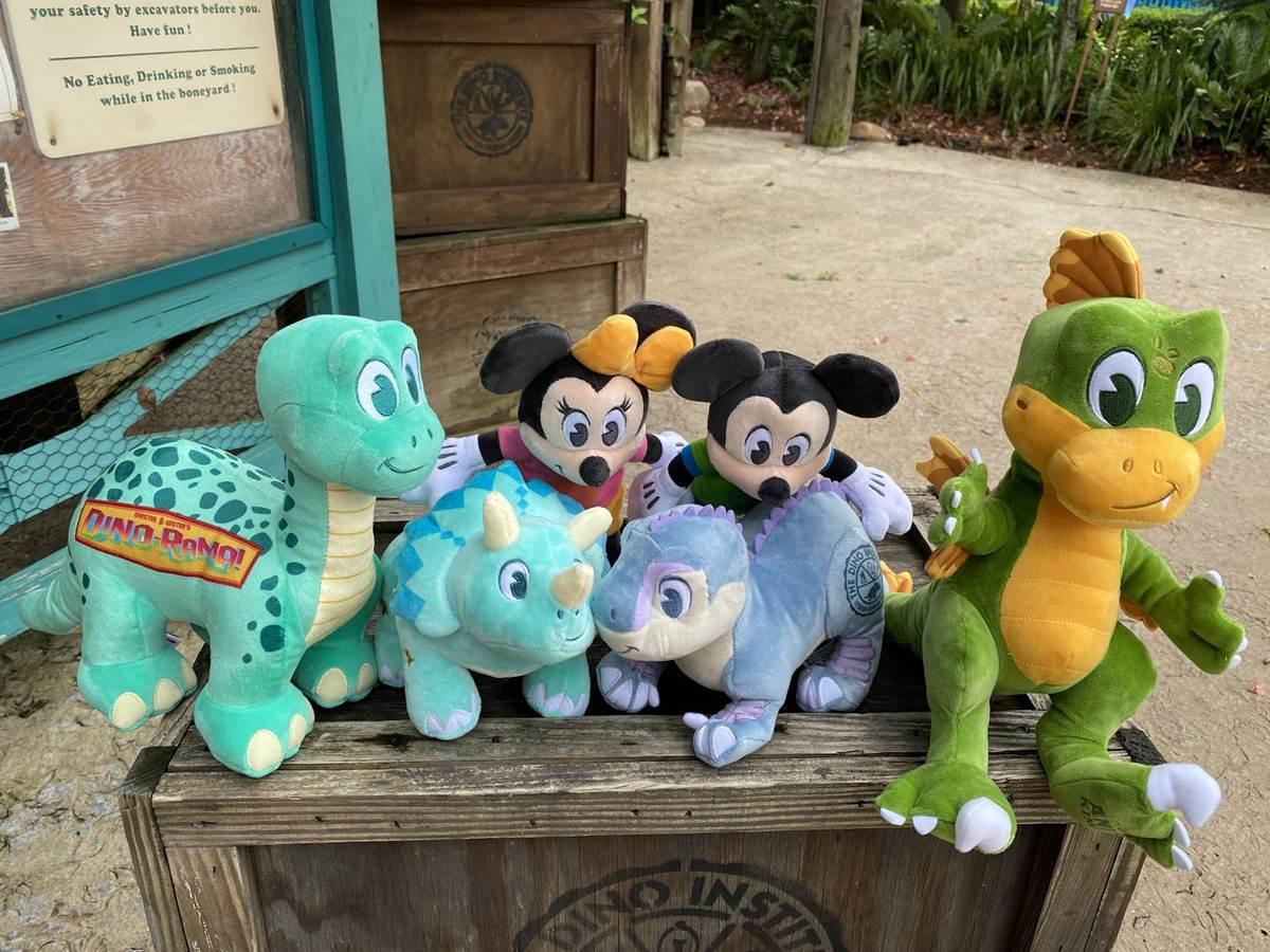 "New Disney Animal Kingdom Chester /& Hester/'s Dino Institute Aladar 12/"" Plush"