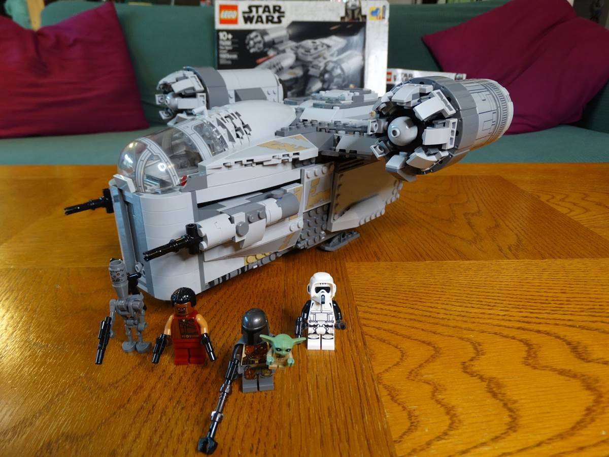 The Mandalorian Star Wars Minifigure Fits Lego